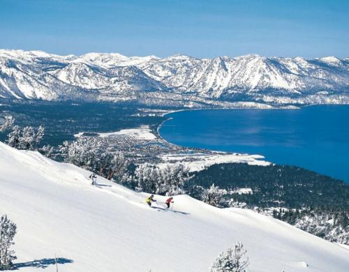 526425-ski-south-lake-tahoe.jpg