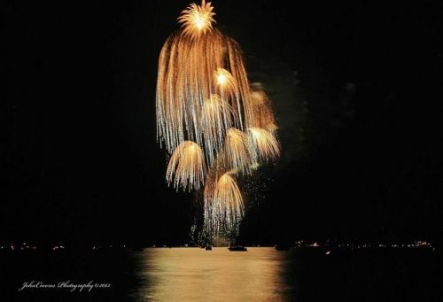 672809-622067-south-tahoe-now-fireworks.jpg
