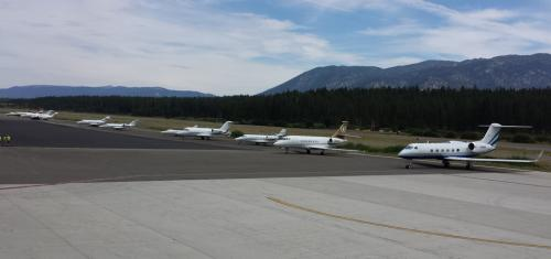 677300-south-tahoe-now-celebrity-golf-plane.jpg