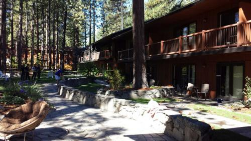 677465-south-tahoe-now-fire-6.jpeg
