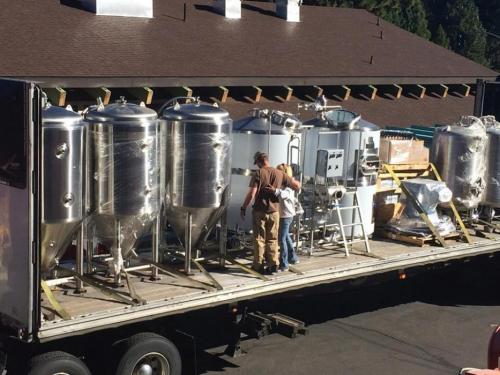 678436-south-tahoe-now-cold-water-brewery.jpg