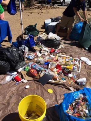 679456-677135-beach-trash-south-tahoe-now.jpg
