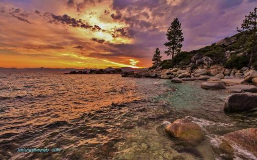 around_the_lake_374-3.jpg